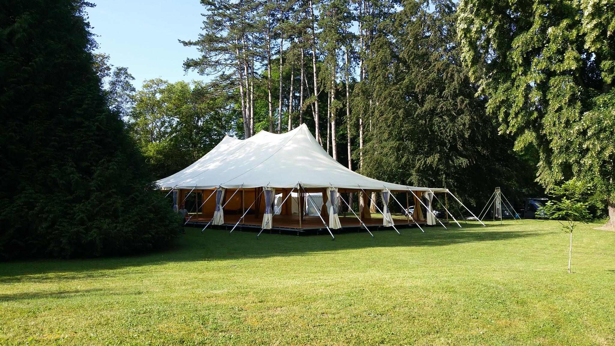 location tente bambou mariage, Pont d'Ain, Auvergne-Rhône-Alpes