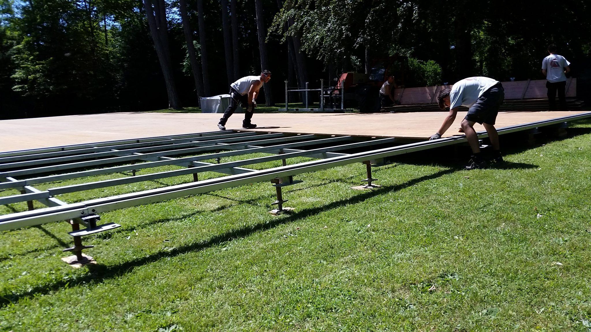 installation plancher auto-porté, location tente bambou mariage, à Dijon, Bourgogne-Franche-Comté